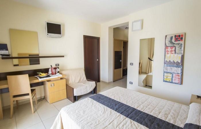 Hotel Ticho's Lido