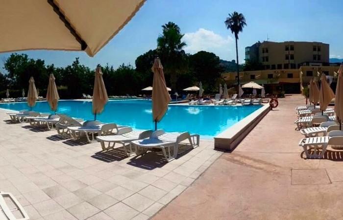 La Feluca Resort